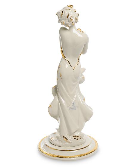 Фарфоровая статуэтка «Девушка с цветами» S. V. Sabadin