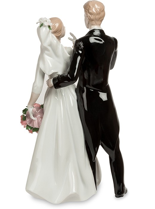 Фарфоровая статуэтка «Молодожены»