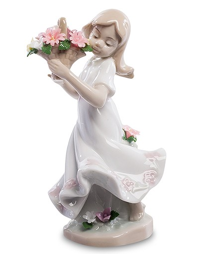 Фарфоровая статуэтка «Девочка с цветами»