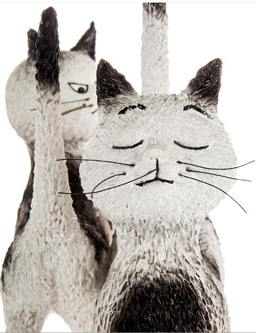 Статуэтка «Кошки
