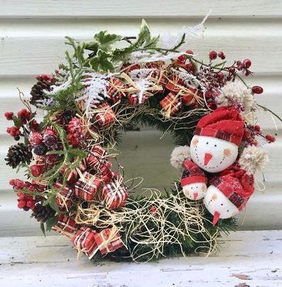 Новогодний венок «Время подарков»