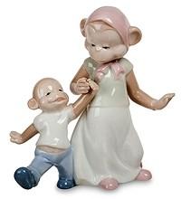 Фарфоровая статуэтка «Мамина радость»