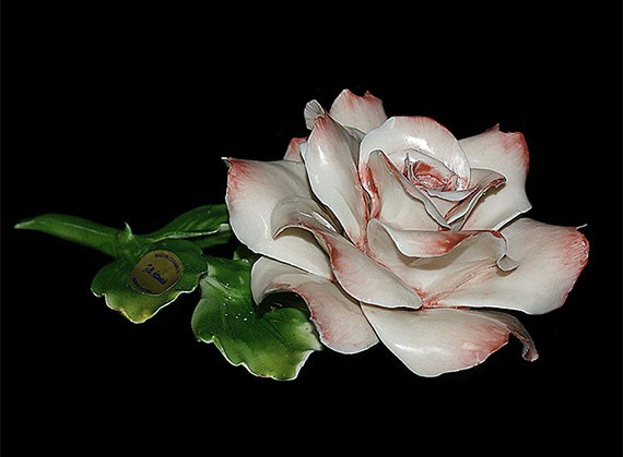 Декоративная фарфоровая роза