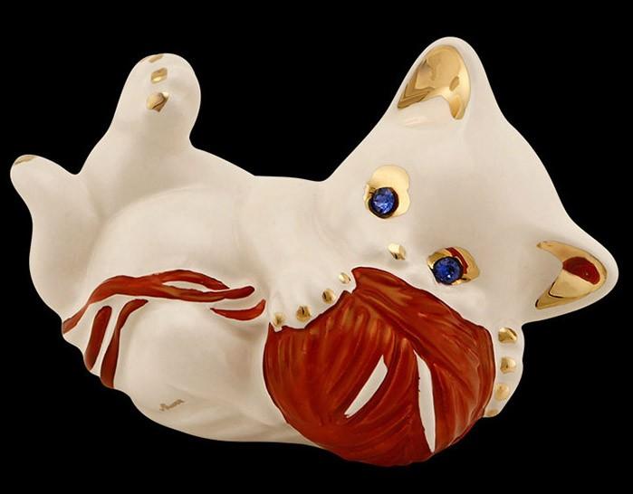 Статуэтка «Котёнок Кики играющий с сумкой»