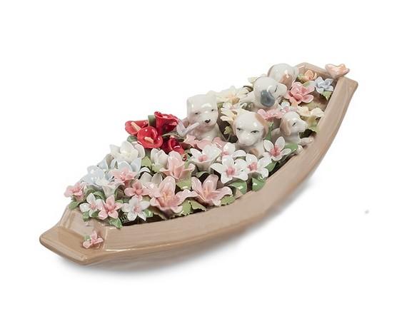 Фарфоровая композиция «Лодка с цветами»