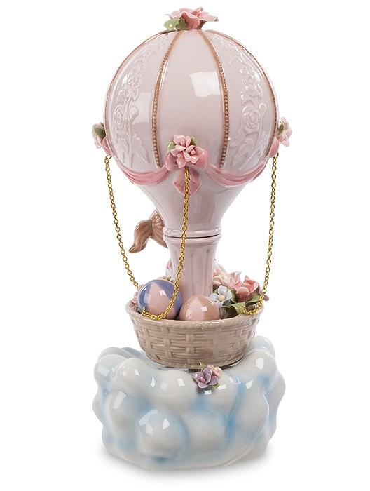 Фарфоровая статуэтка «Девочка на воздушном шаре»