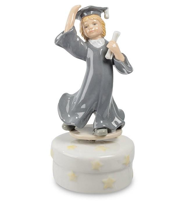Фарфоровая статуэтка «Выпускница»