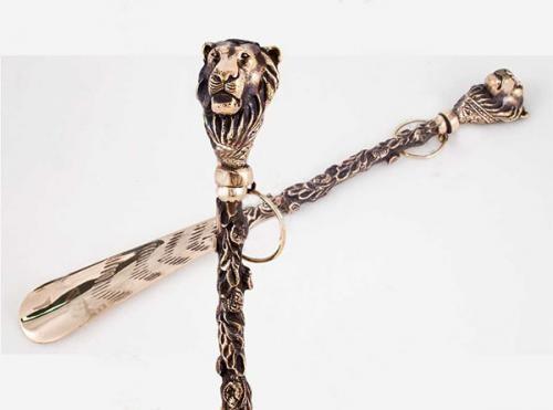 Ложка для обуви «Лев» в рамке