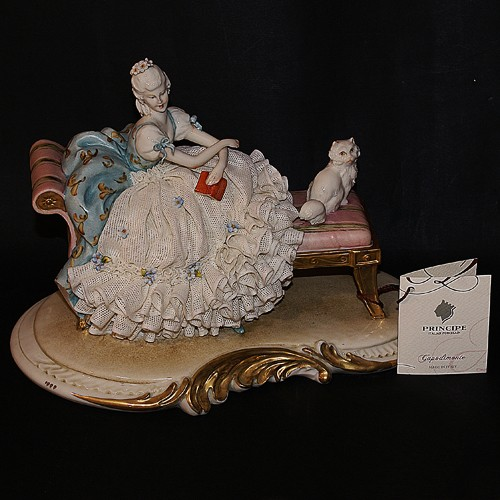 Фарфоровая статуэтка «Леди с кошкой» Porcellane Principe