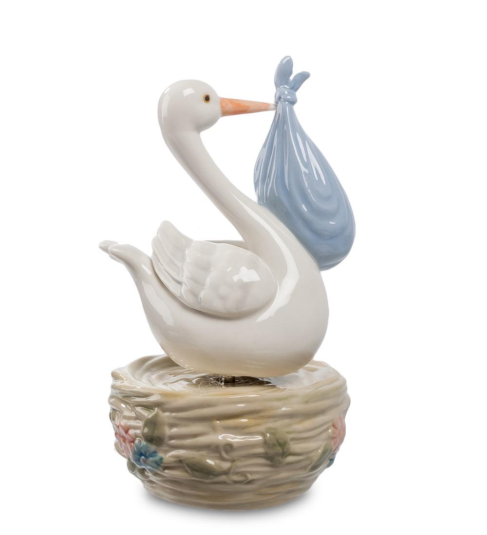Фарфоровая статуэтка «С новорожденным»