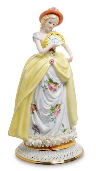 Фарфоровая статуэтка «Дама с веером»