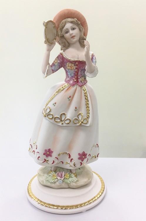 Фарфоровая статуэтка «Девушка с бубном»