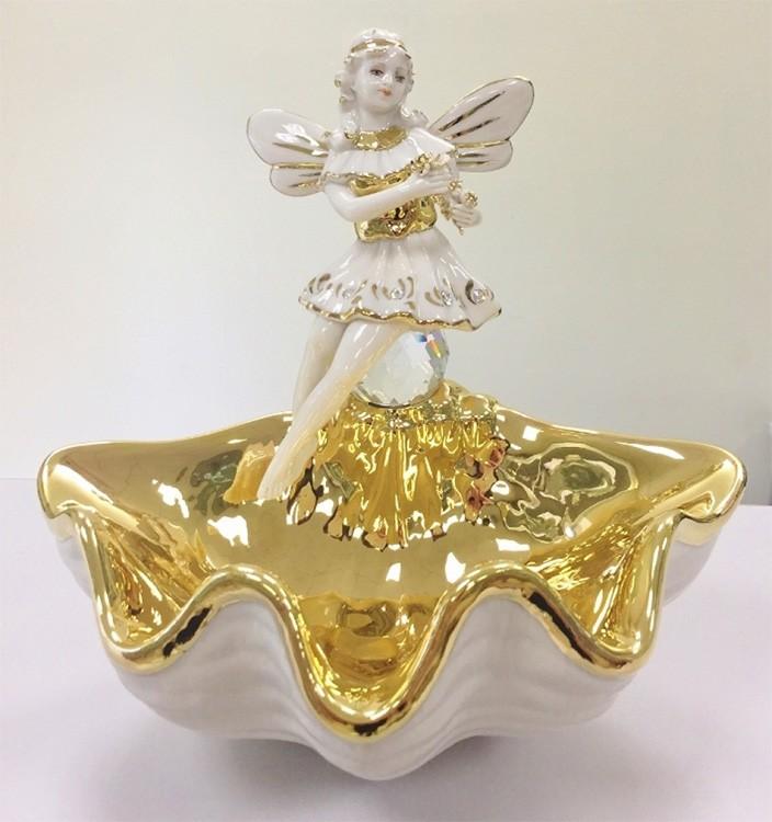 Фарфоровая статуэтка «Фея на ракушке»