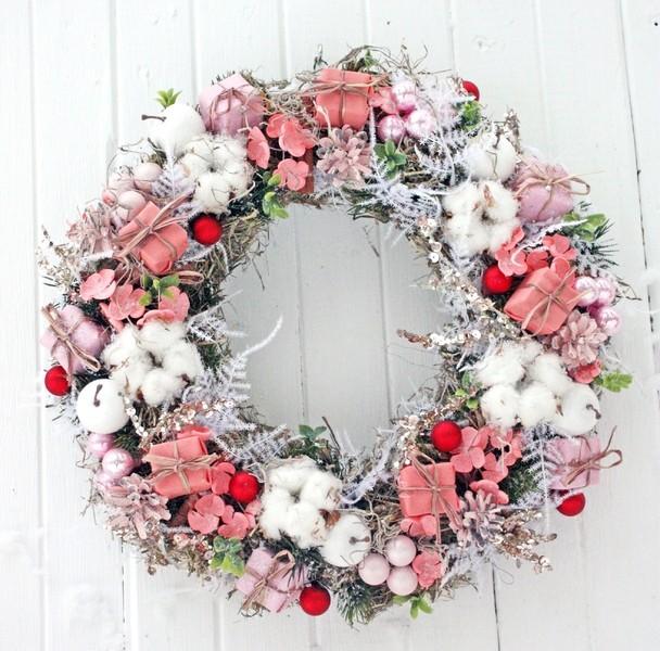 Новогодний венок «Розовый»