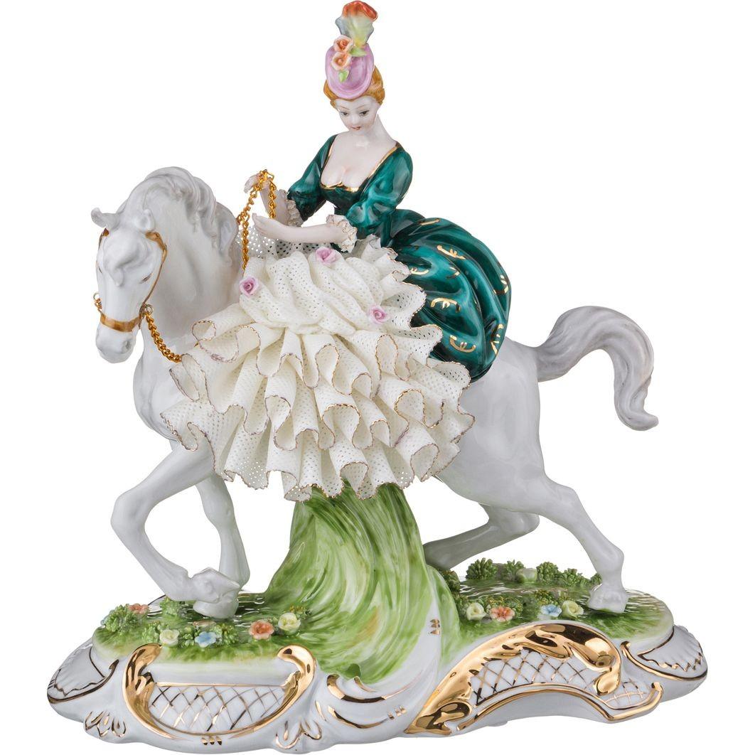 Фарфоровая статуэтка «Наездница»