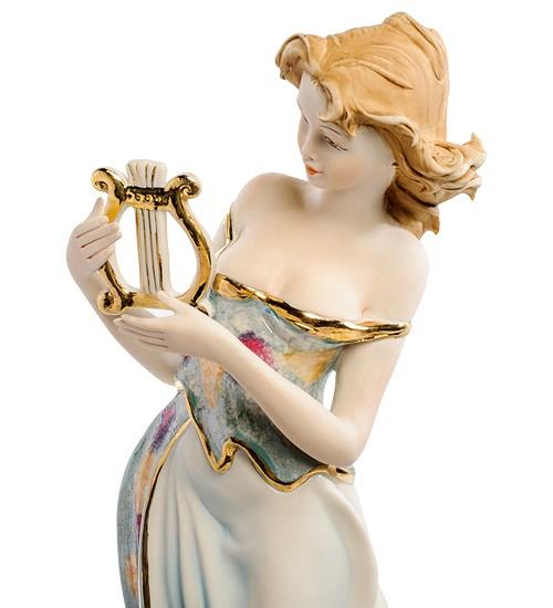 Фарфоровая статуэтка «Девушка с арфой»