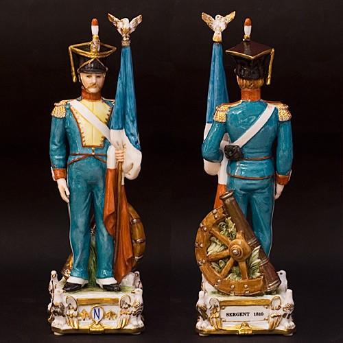 Фарфоровая статуэтка «Знаменосец»