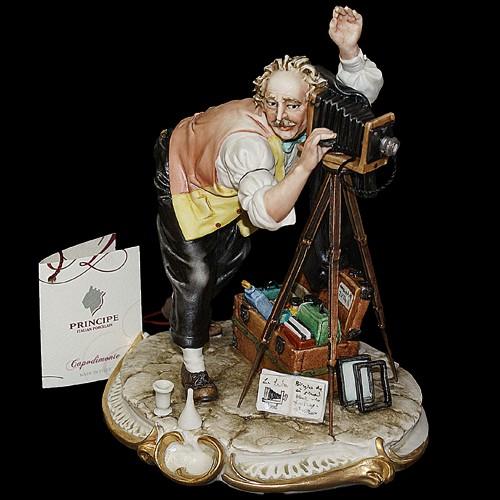 Фарфоровая статуэтка «Фотограф» Porcellane Principe