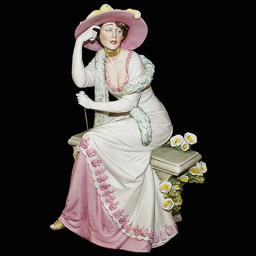 Фарфоровая статуэтка «Дама на скамейке» Porcellane Principe