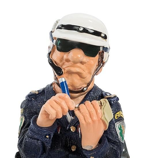 Статуэтка «Полицейский» мал.