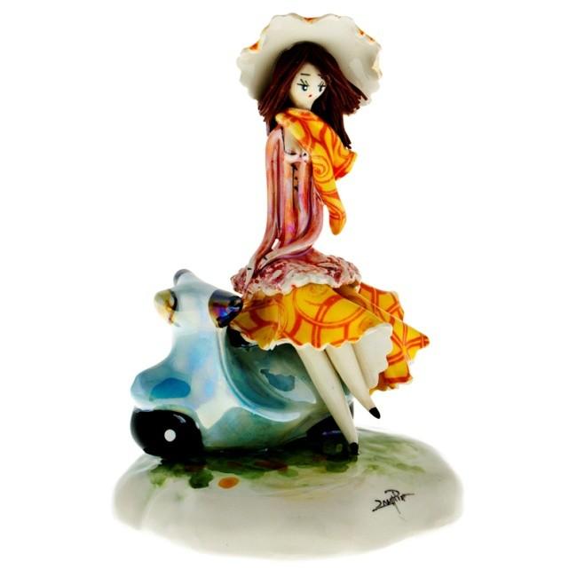 Статуэтка «Дама на скутере», Zampiva