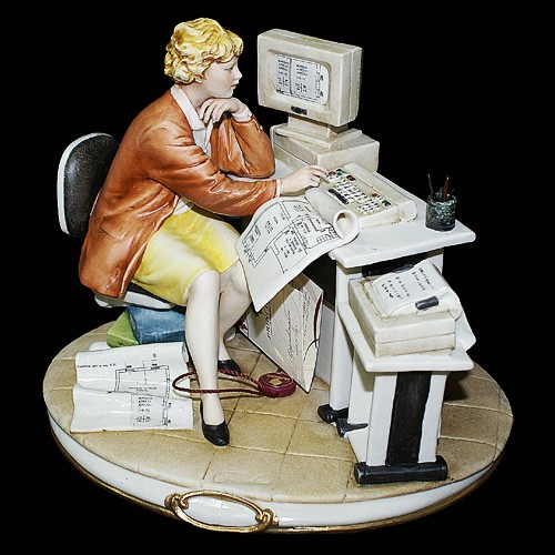 Фарфоровая статуэтка «Девушка инженер» Porcellane Principe
