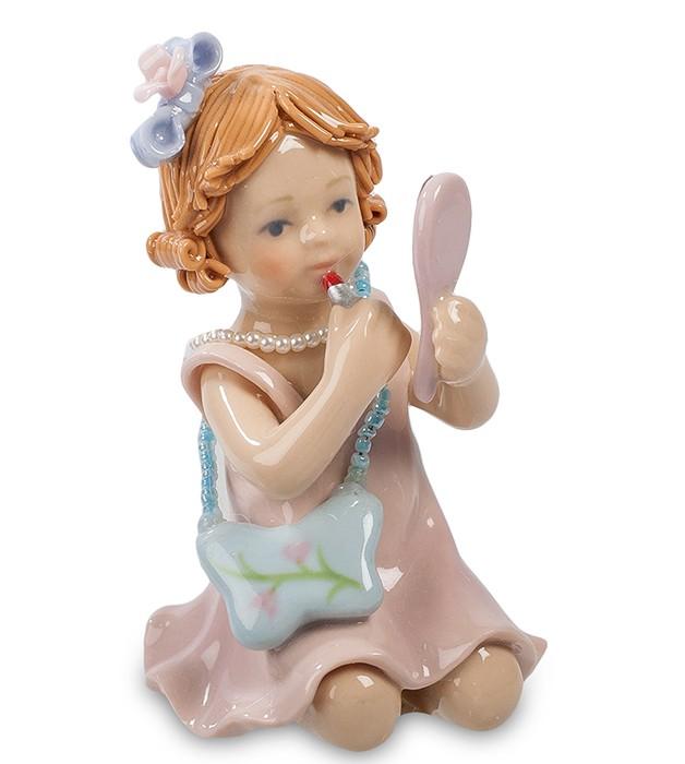 Фарфоровая статуэтка «Маленькая красавица»