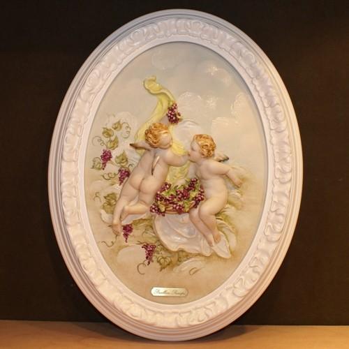 Барельеф «Ангелочки с виноградом»