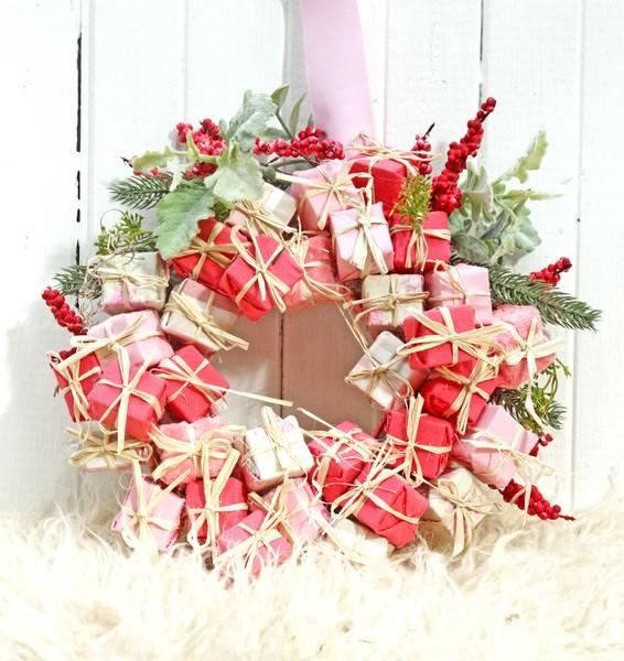 Новогодний венок «Подарочки»