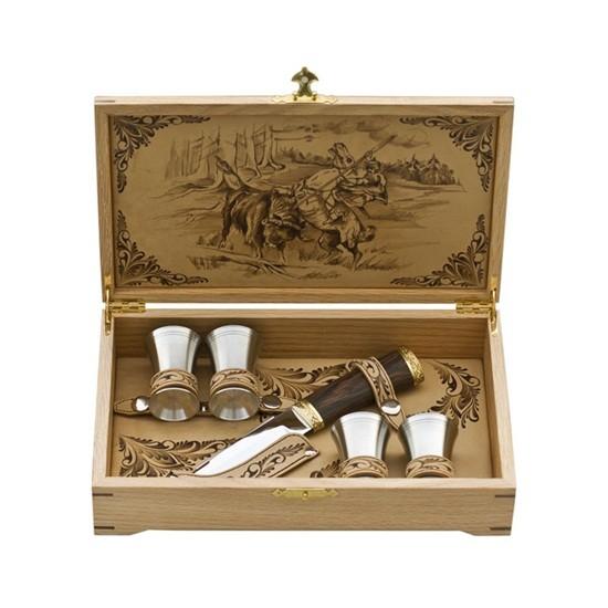 Подарочный набор в шкатулке из дуба