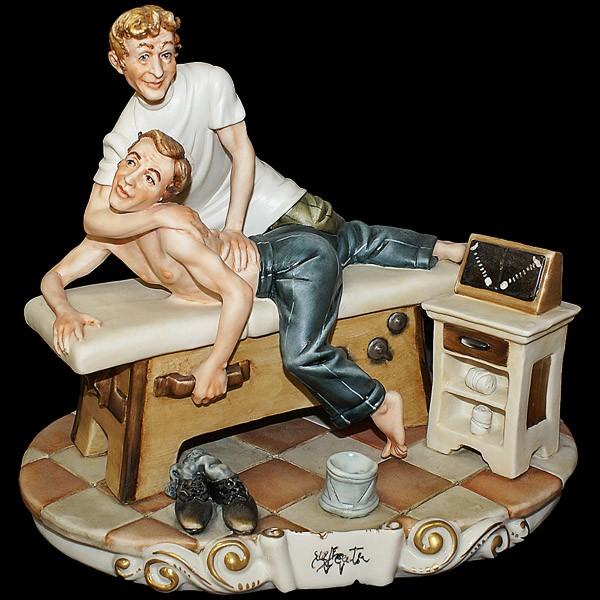 Фарфоровая статуэтка «Костоправ»
