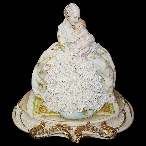 Фарфоровая статуэтка «Мать и дитя» Porcellane Principe