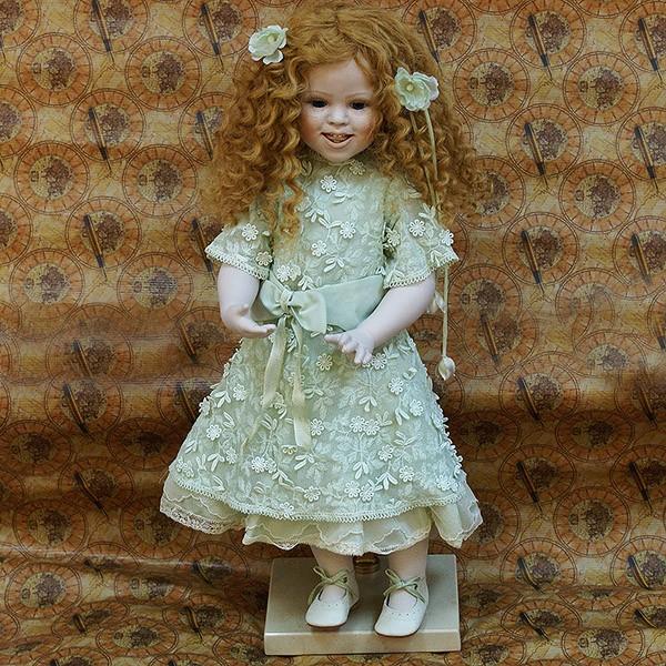 Кукла фарфоровая «Екатерина»