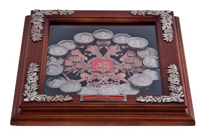 Панно «Медали династия Романовых»