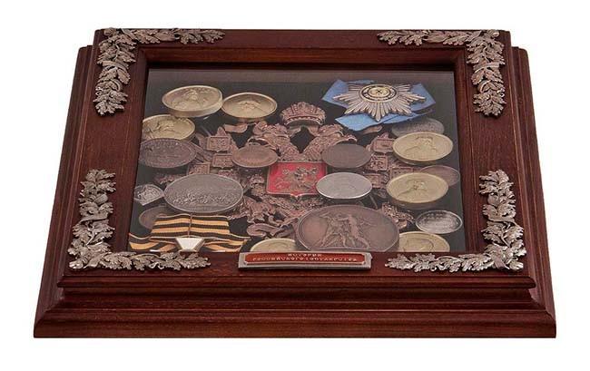 Панно из монет «Герб»