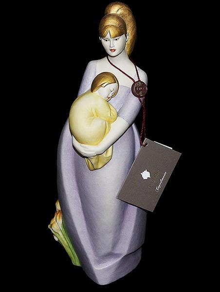 Фарфоровая статуэтка «Материнство» Porcellane Principe