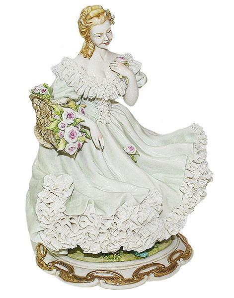 Фарфоровая статуэтка «Дама Весна»